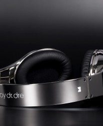Cosmichrome Spray Chrome Beats Headphones Top